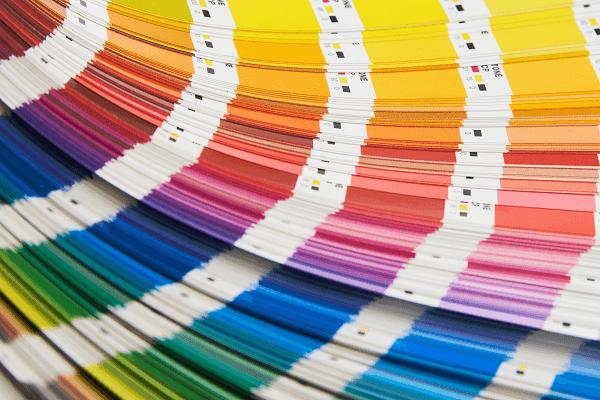 מניפה של כל הצבעים. קשה לבחור.