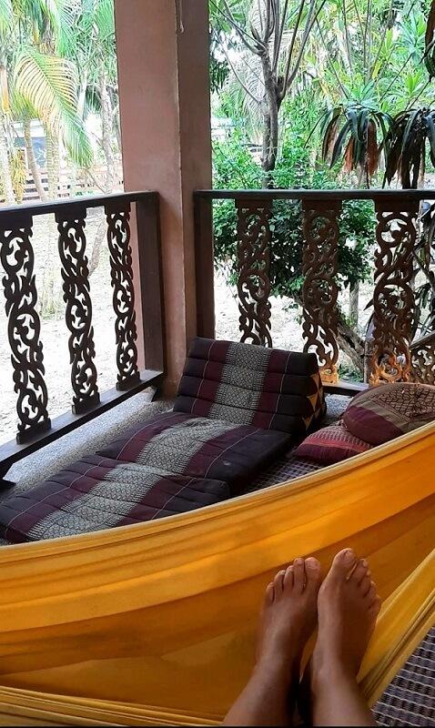 ערסך צהוא ונוף של עצי גו'נגל מהמרפסת