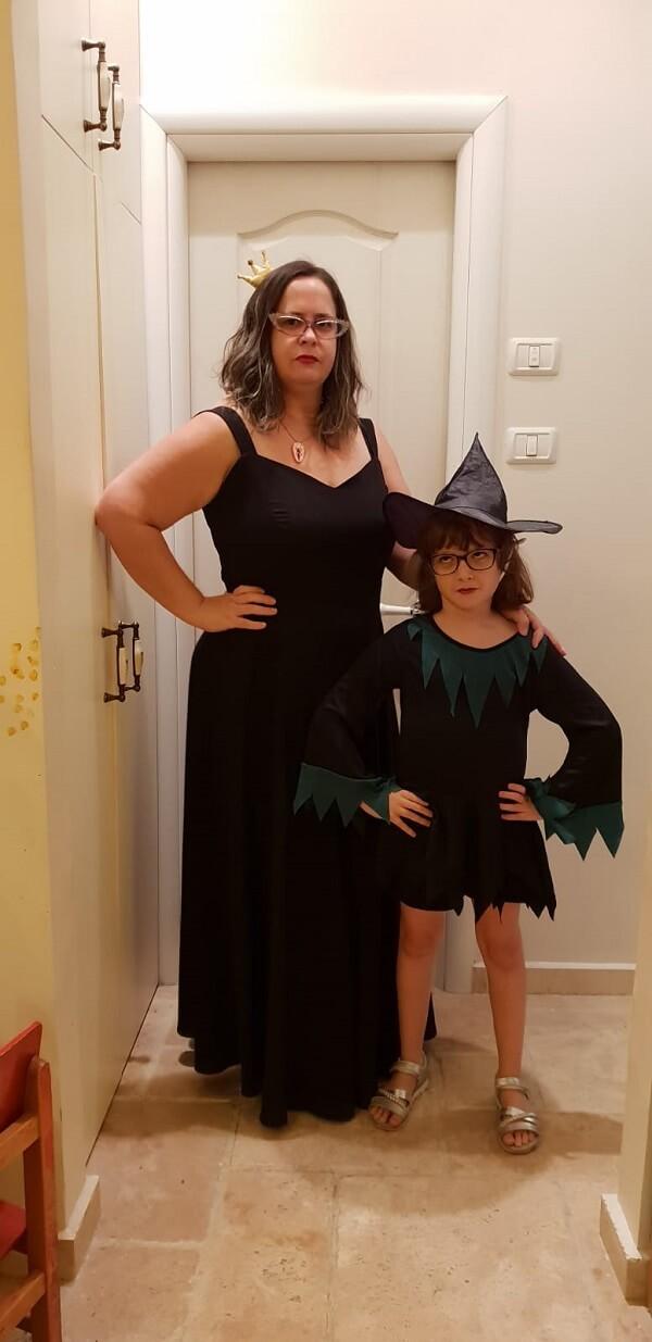 הילה הקציה מפולניה סיטון והבת שלה אוליביה