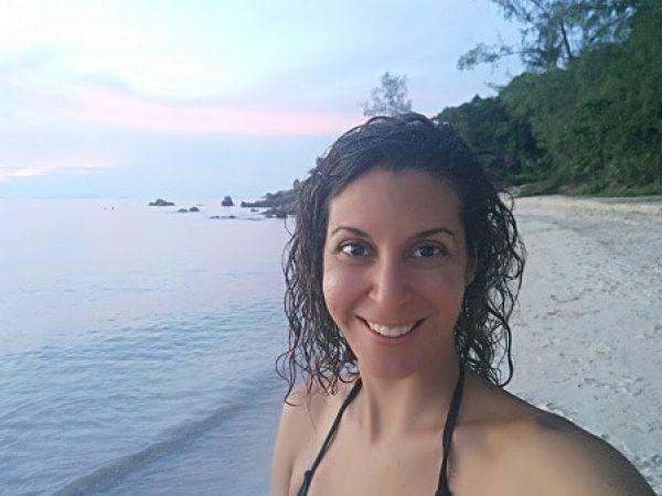 מיכל פולת על החוף בקופנגן