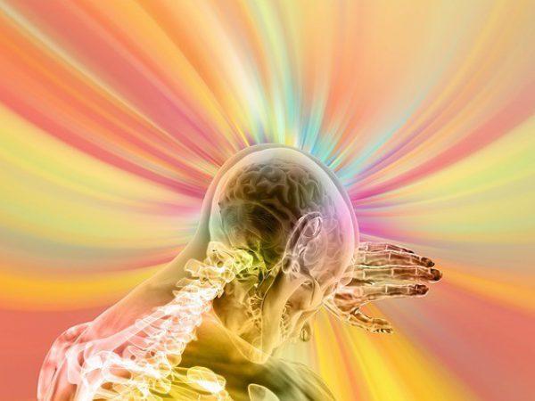 תמונה אבסטרקטית של מוח וחישת אנרגיה